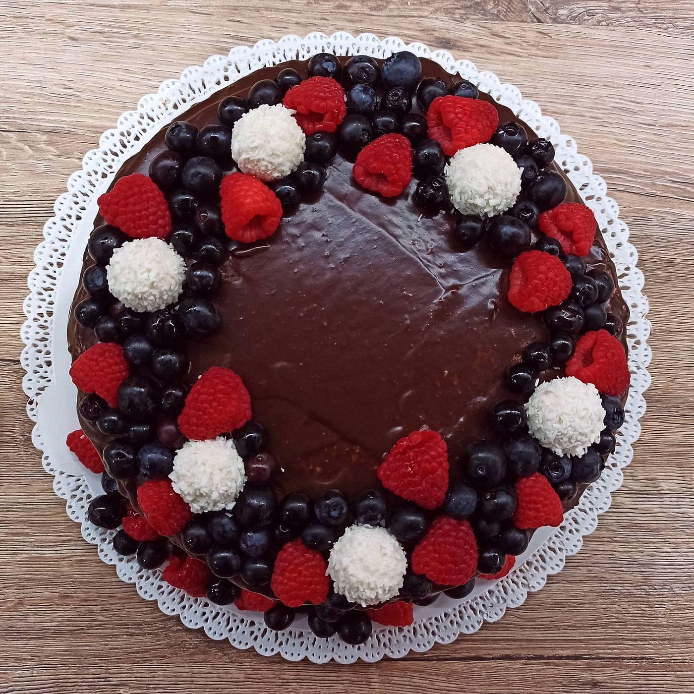Perníková torta s kokosovou plnkou a čoko polevou - krok prípravy 3