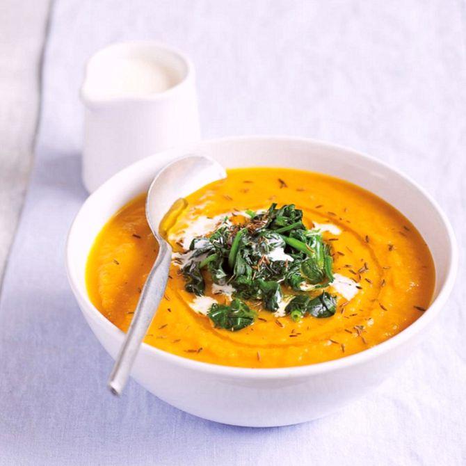 Náhľad receptu Krémová mrkvová polievka so špenátom