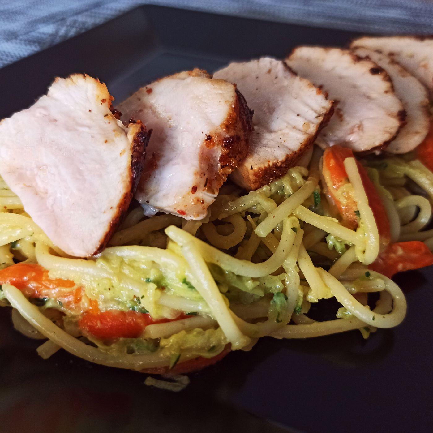Špagety s cuketovým tatarákom a kuracím mäsom - krok prípravy 2